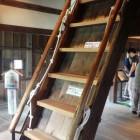 天守一階の階段。登り降り注意!!