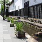 瀬戸川と白壁土蔵街東側