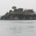 対岸より能島城を遠望鯛崎島部