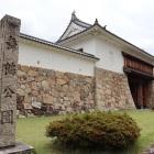 石碑・城門
