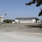 曲輪内の中学校