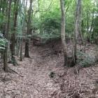 城跡手前の90°折れの土壁