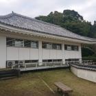 主郭部には武道場が建っています