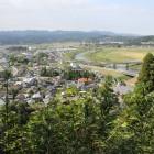 本丸より栗野市街、川内川の眺望