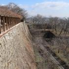 備中櫓より、本丸石垣と切手門跡
