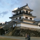 木像復元の天守(三階櫓)