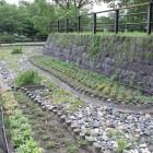 本丸南側堀跡の地面表示