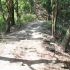 見張り台への土橋通路