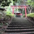 朝日稲荷神社、二の曲輪虎口鳥居