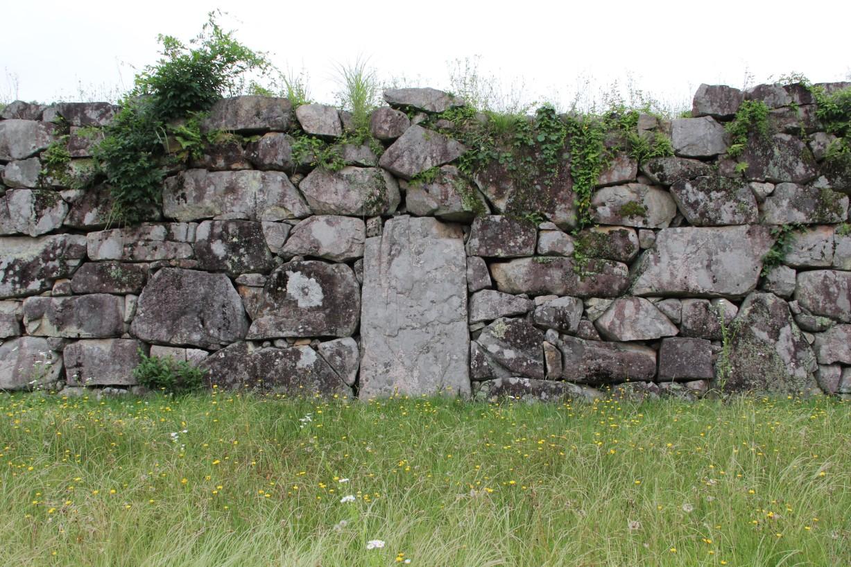 特徴の竪石垣