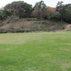 二の丸から本丸北石垣城塁を見る、右虎口
