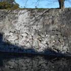 こういうの大好き。色んな時代の石垣が混ざっています。