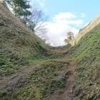 本郭と小郭の間の畝堀