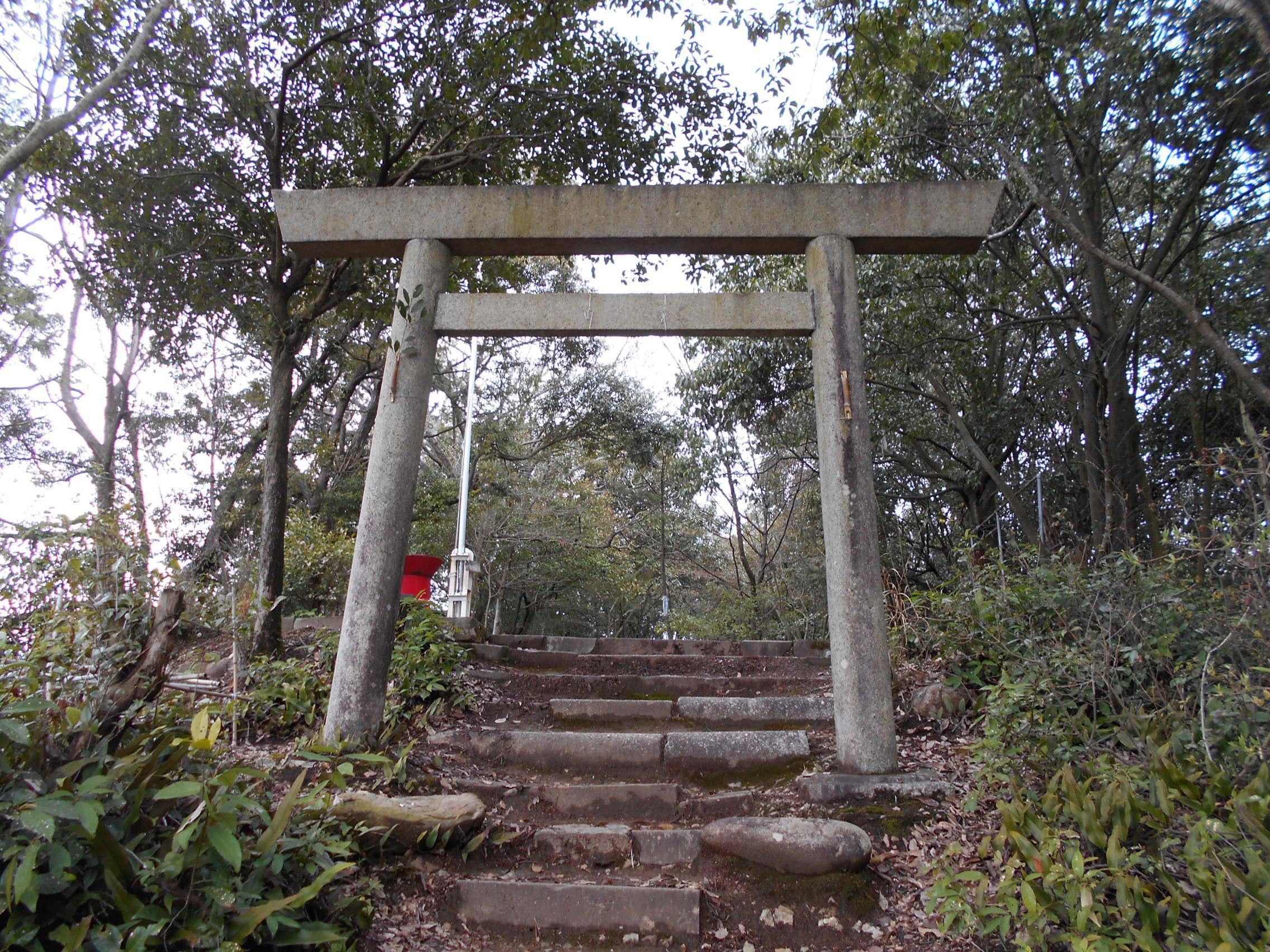 本丸跡(安桜山御嶽神社)