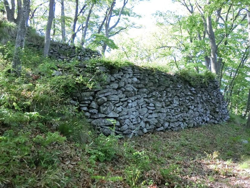 二段の石垣