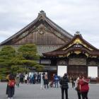 二の丸御殿。飾り金具がとられている。