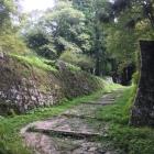 追手門東側の石垣と通路