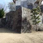天守脇曲輪のトイレ下の石垣