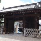 御香宮神社表門内側