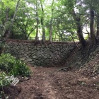 本丸東側の石垣を伴う土橋・空堀