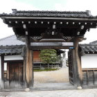 東南寺の門