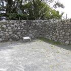 駐車場付近の石垣