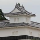 二の丸復元隅櫓、水戸駅前立体歩道より