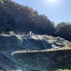 発掘整備中の織田信長の居館跡