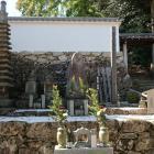 西教寺の明智光秀と一族の墓