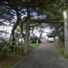 復興された門