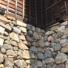 石垣に転用石①