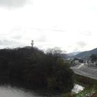音無瀬橋から撮った明智藪と福知山城