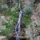 水無瀬の滝。あまり心うたれず…。