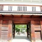 東虎口櫓門から見る真田神社