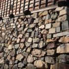 天守台南辺の転用石