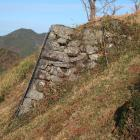 二の丸虎口に横矢を掛ける張り出しの石垣