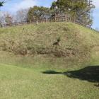 本丸神明城の南西角の切岸城塁