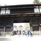 三の丸東門