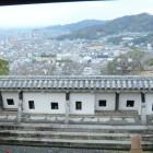 仕切門内塀と眺望(北側)
