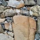 武櫓跡の無骨な石垣