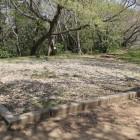 本丸銅櫓跡礎石が残る