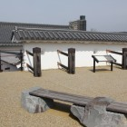 山手門枡形東側の石垣台上と土塀