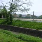 かつての水掘りも埋立られ校地や住宅地になる