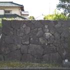 微妙な模擬石垣