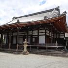 亳摂寺本堂