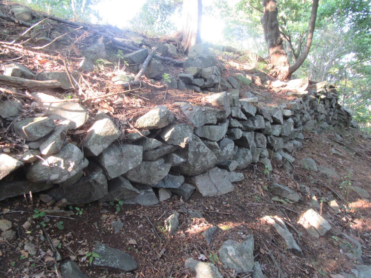 本郭東面の石積